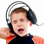 Earphone dapat Mengakibatkan Hilang Pendengaran Permanen