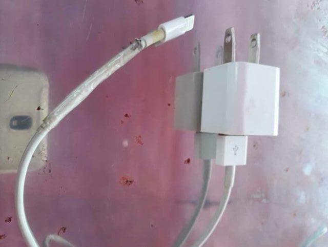 Gadis Ini Meninggal Setelah Tersengat Kabel Charger iPhone
