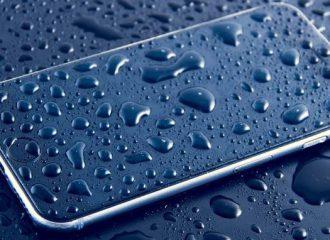 Smartphone tercebur dalam air