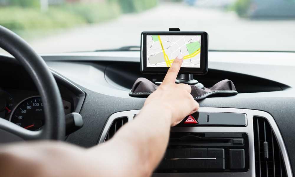 Solusi agar Tak Mengemudi Sambil Lihat GPS di Handphone
